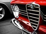 Alfa Romeo Kırmızı Logo Oyna