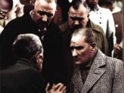 Atatürk Dert Dinliyor Yapbozu Oyna