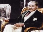 Atatürk Kahçe İçerken Yapbozu Oyna