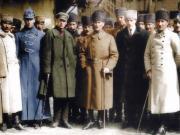 Atatürk ve Arkadaşları Yapbozu Oyna