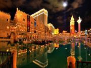 Ay Işığında Venedik Yapbozu Oyna
