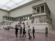 Berlin-Bergama Müzesi Yapbozu Oyna