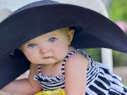 Boncuk Gözlü Bebek Yapbozu Oyna