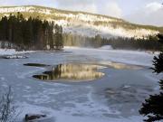 Buz Tutmuş Göl Yapbozu Oyna