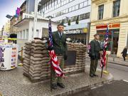 Checkpoint Charlie-Berlin Yapbozu