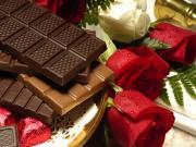 Çikolata ve Güller Yapbozu Oyna