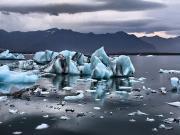 Eriyen Buzullar Yapbozu Oyna