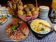 Geleneksel Alman Kahvaltısı Yapbozu Oyna