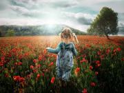 Gelincik Tarlasındaki Küçük Kız Yapbozu Oyna