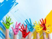 Gülümseyen Eller Yapbozu Oyna
