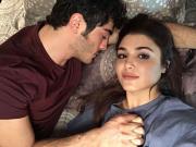 Hayat ve Murat'ın Selfiesi Yapbozu Oyna