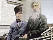 Mustafa Kemal Atatürk ve Diyap Ağa Yapbozu Oyna