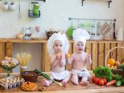 Mutfaktaki Bebekler Yapbozu Oyna