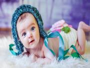 Örgüler İçindeki Bebek Yapbozu Oyna