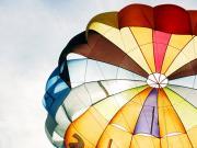 Renkli Paraşüt Yapbozu Oyna
