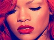 Kızıl Saçlarıyla Rihanna Yapboz Oyna